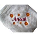 Baby Kapuzenbadetuch mit Namen und Blumen 100x100